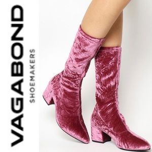 Vagabond Shoemakers NWOT pink velvet Mya boot